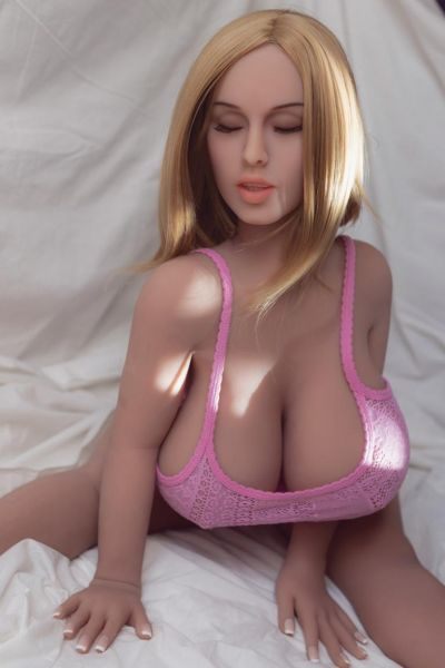 Premium-TPE-sexdoll-Gabby-view-front