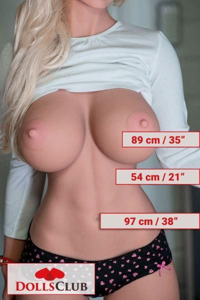 170cm / 5ft6 / H-Cup
